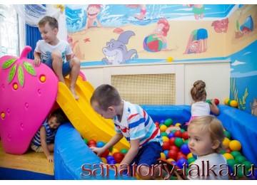 Санаторий «Красная Талка», игровая комната и детский городок